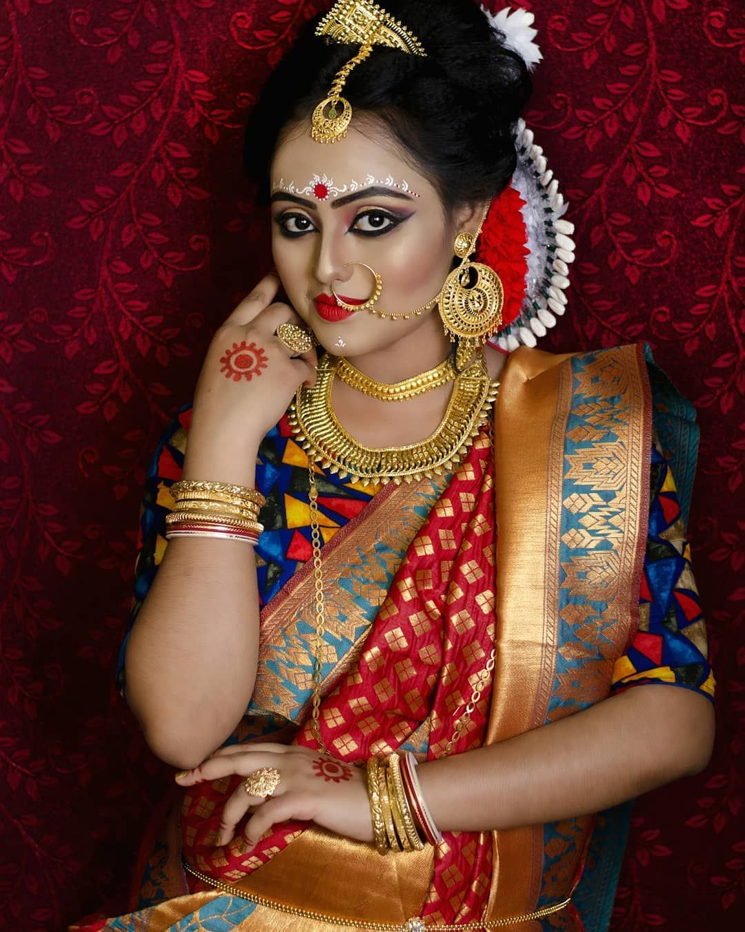 Hindu Bridal Hairstyles 14 Safe Hairdos For The Modern: WEDDING DIARIES BRIDE PHOTOGRAPHY BY ME . Capture Your
