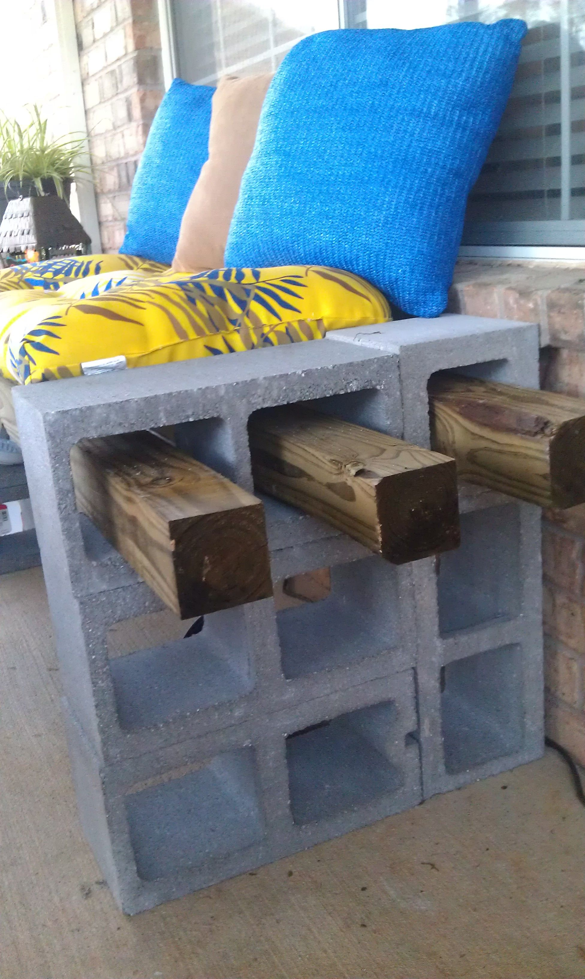 Cinder Block Bench Repurpose Pinterest Cinder Block Bench - Awesome home projects created from concrete cinder blocks