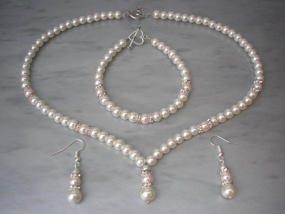 Coloured Pearls & Crystal Diamante Jewellery Set of Necklace Bracelet and Earrings