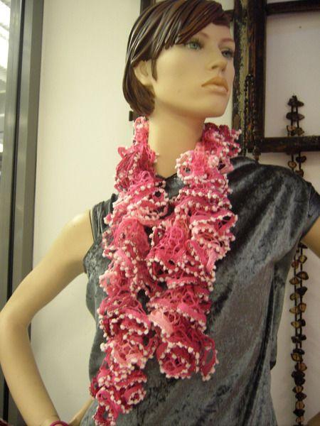 Rüschenschal in rosa von Anita - Geschenke mit Stil auf DaWanda.com