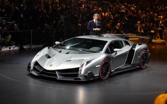 لمبرجيني فينينو السيارة الأقبح في العالم Lamborghini Veneno Lamborghini Super Cars