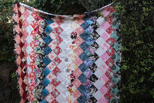 love the color scheme & simple pattern