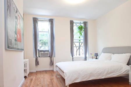 Échale un vistazo a este increíble alojamiento de Airbnb: Spacious clean & quiet 2 bed/2bath  en Nueva York