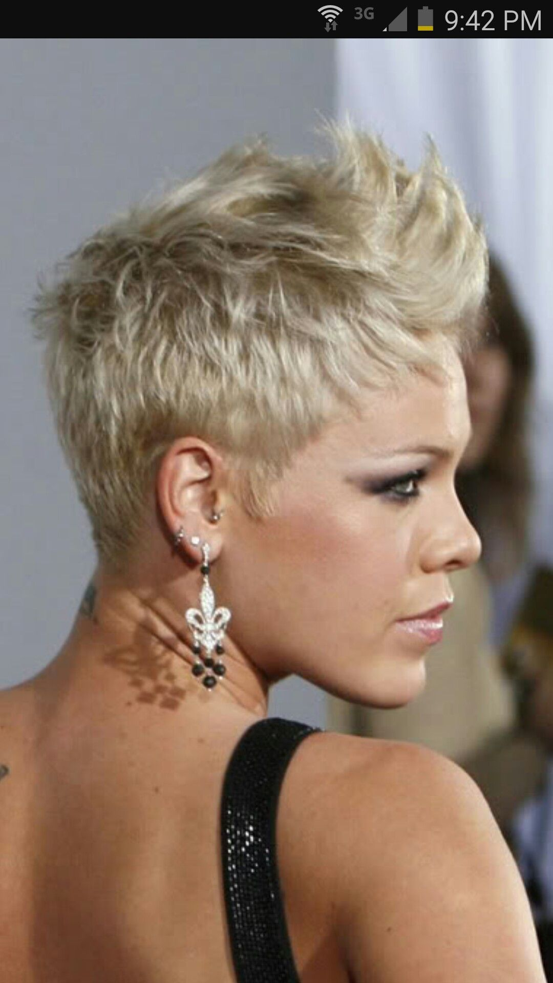Pin By Jane Wright On Hair Pink Haircut Pink Singer Hairstyles Short Hair Styles