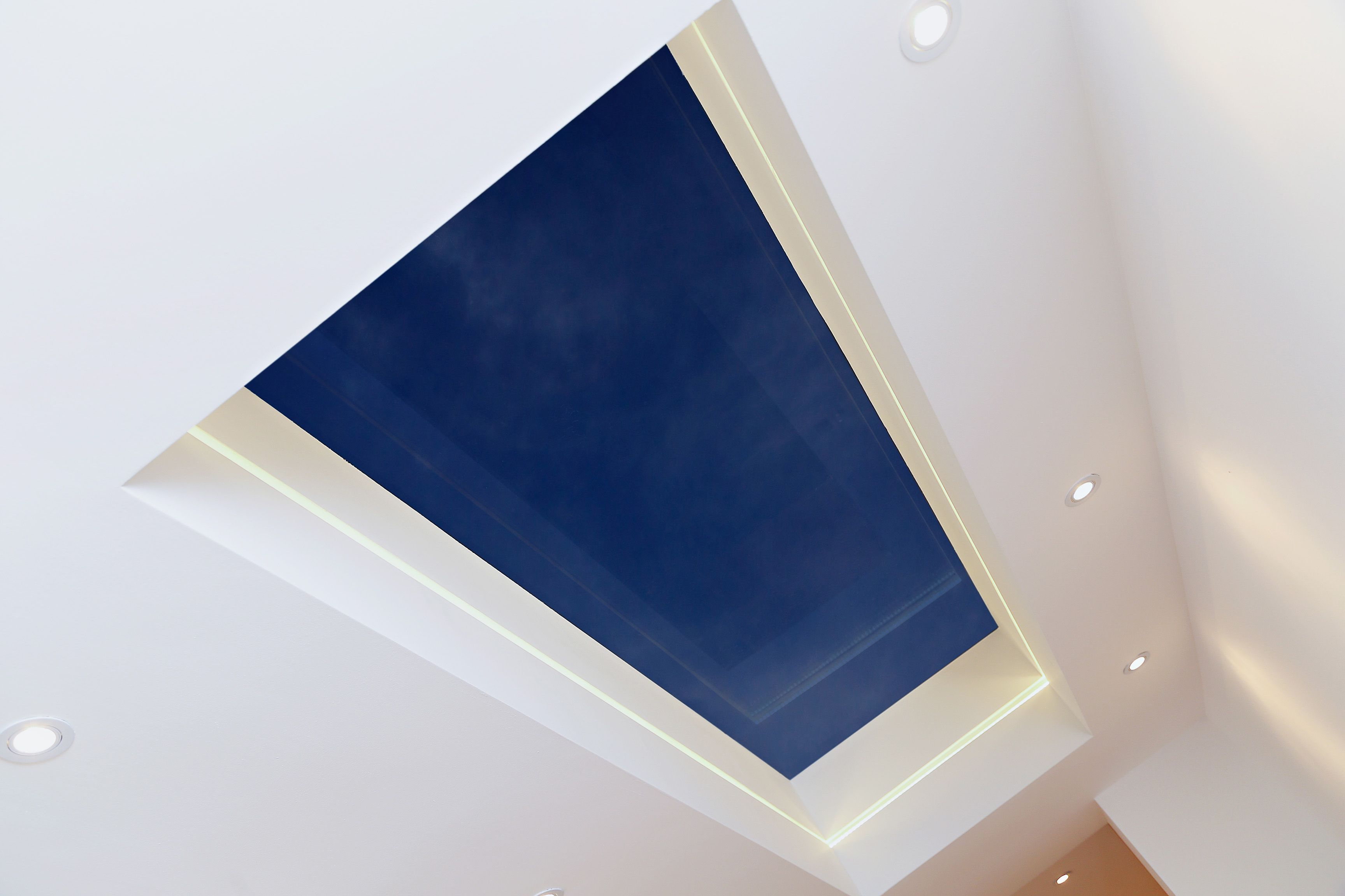 This Frameless Skylight Has A Deep Reveal We Chose To Create A Recess Channel With Led Lighting Which Breaks Up The T Skylight Led Recessed Lighting Lighting