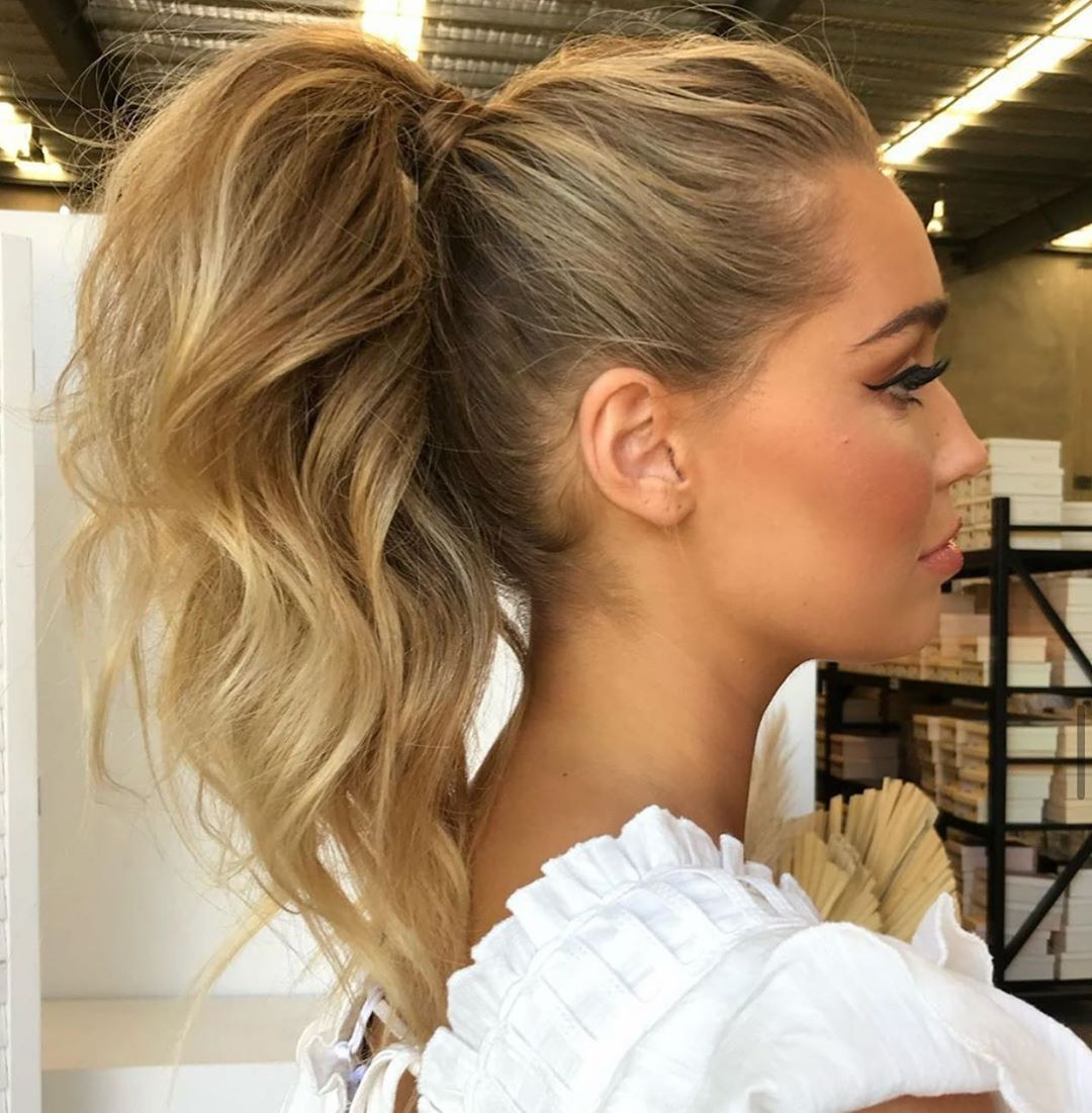 """Hello Hair Natural Haircare ™ on Instagram: """"👱🏽♀️We're never lacking in  hair inspo from the ama…   High ponytail hairstyles, Pony hairstyles, Ponytail  hairstyles"""