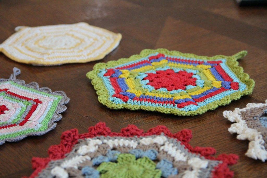 Fantástico Los Patrones De Crochet Libre Para Cuadrados De La ...