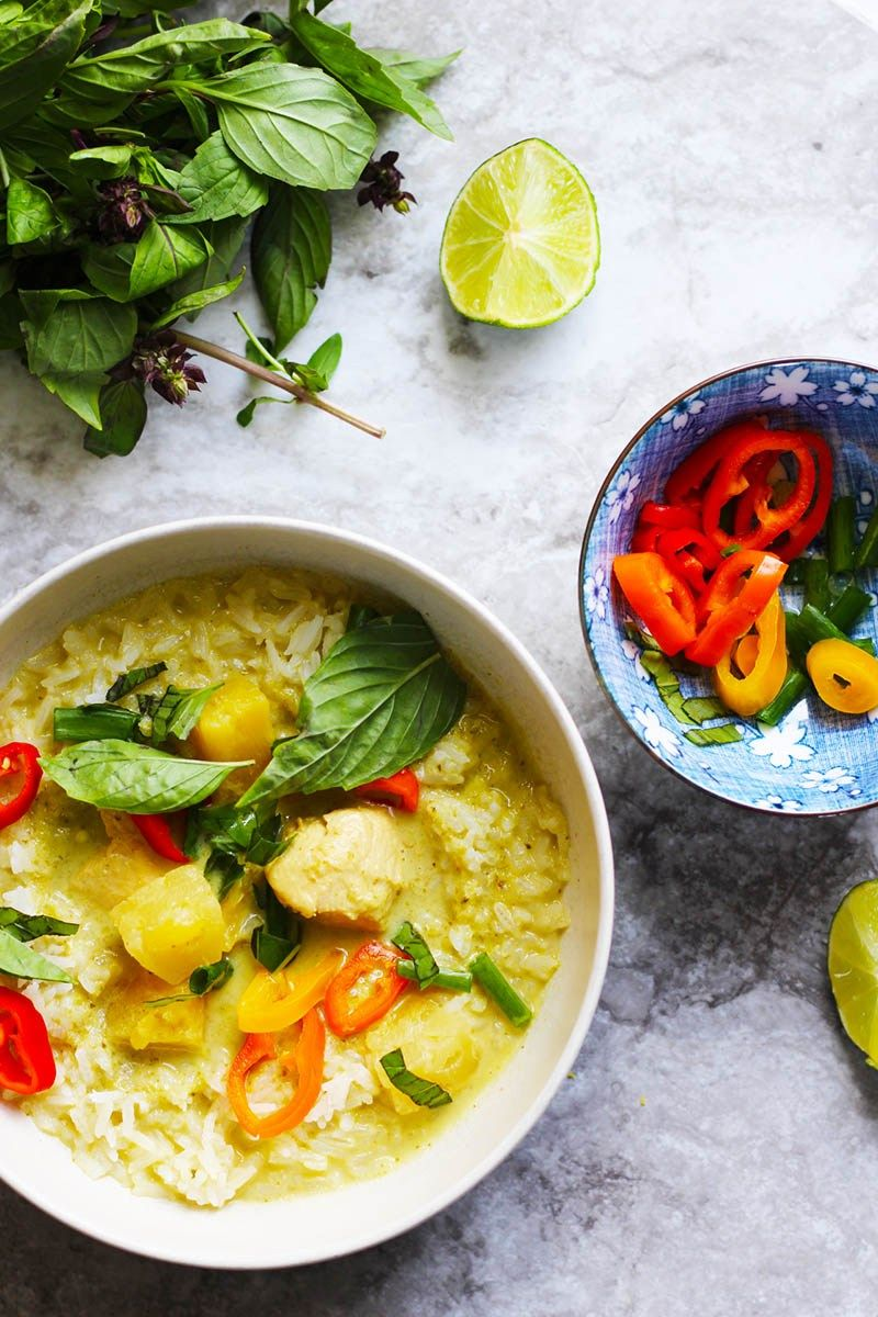 Thai Green Curry Is A Simple And Easy To Make Curry Made From Fresh Herbs And Coconut Milk This Pa Green Curry Recipes Curry Recipes Thai Green Curry Recipes