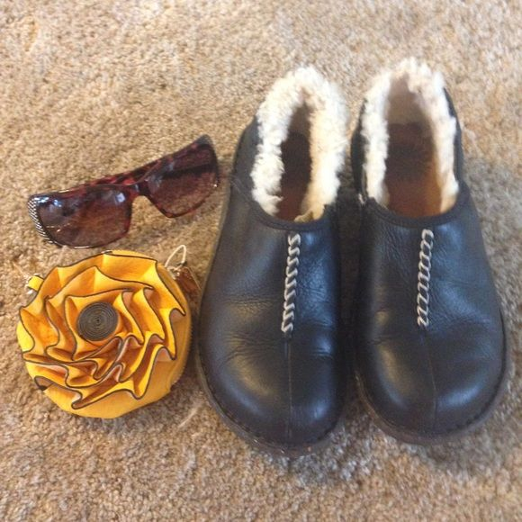 like New Ugg Shoes Size 6 Black like New Ugg Shoes Size 6 Black ; I only wore a few times around the house . Almost mint condition. UGG Shoes Flats & Loafers