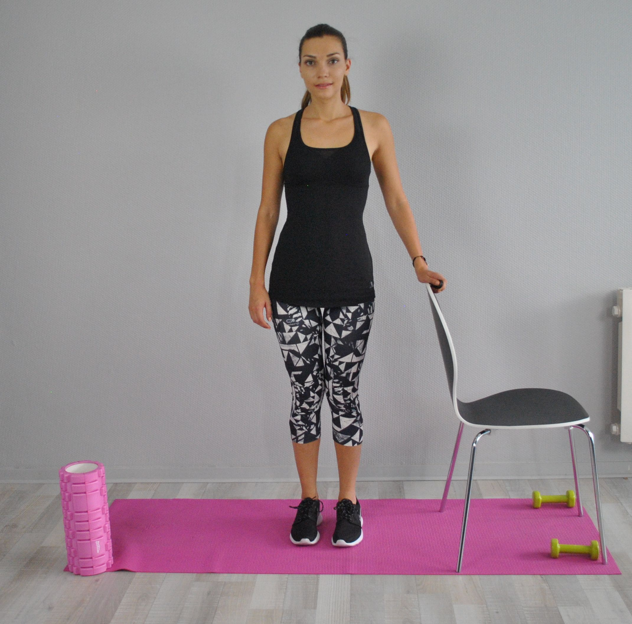 Exercice Fessiers Moyens Chaise Exercices A Faire A La Maison Exercice Sport Exercice
