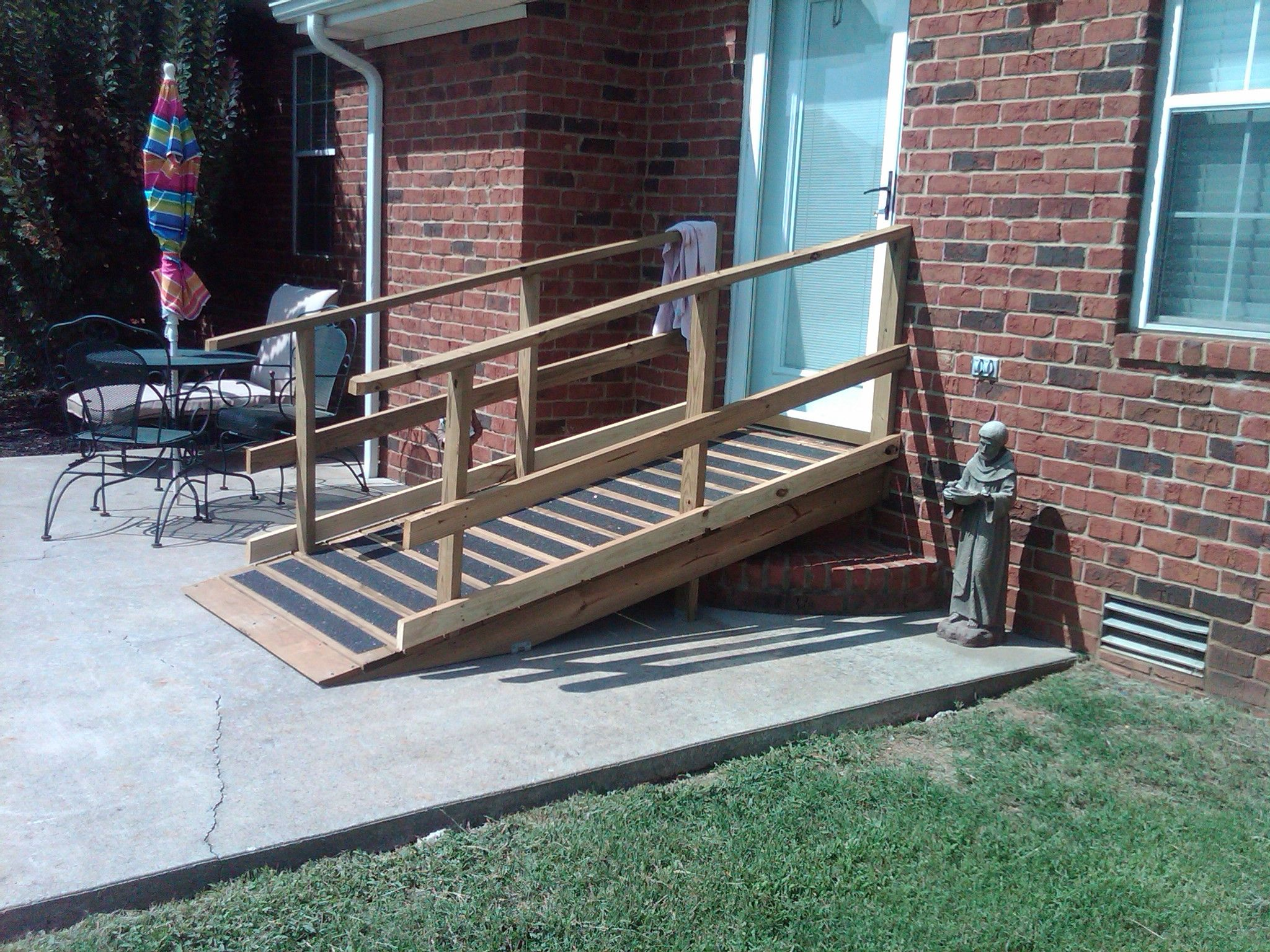 Diy ramp for house google search diy projects for Building a wheelchair accessible home
