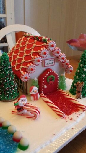 Red Roof Gingerbread House Christmas Gingerbread House Gingerbread House Decorations Gingerbread House