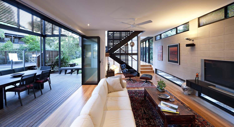 Tropical Coastal Dwelling Merges Indoor Outdoor Living In Australia  Nachhaltige Architektur, Haus Architektur,