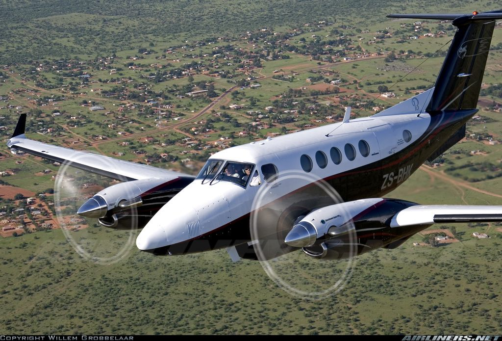 Beech 200/XPR61/WL/Pod Super King Air aircraft picture