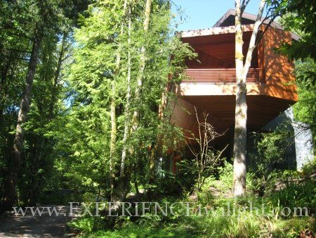 LOCATION 3333 NW Quimby St Portland OR ACCESS Private Residence. Filming  locations for the Twilight movie Cullen house