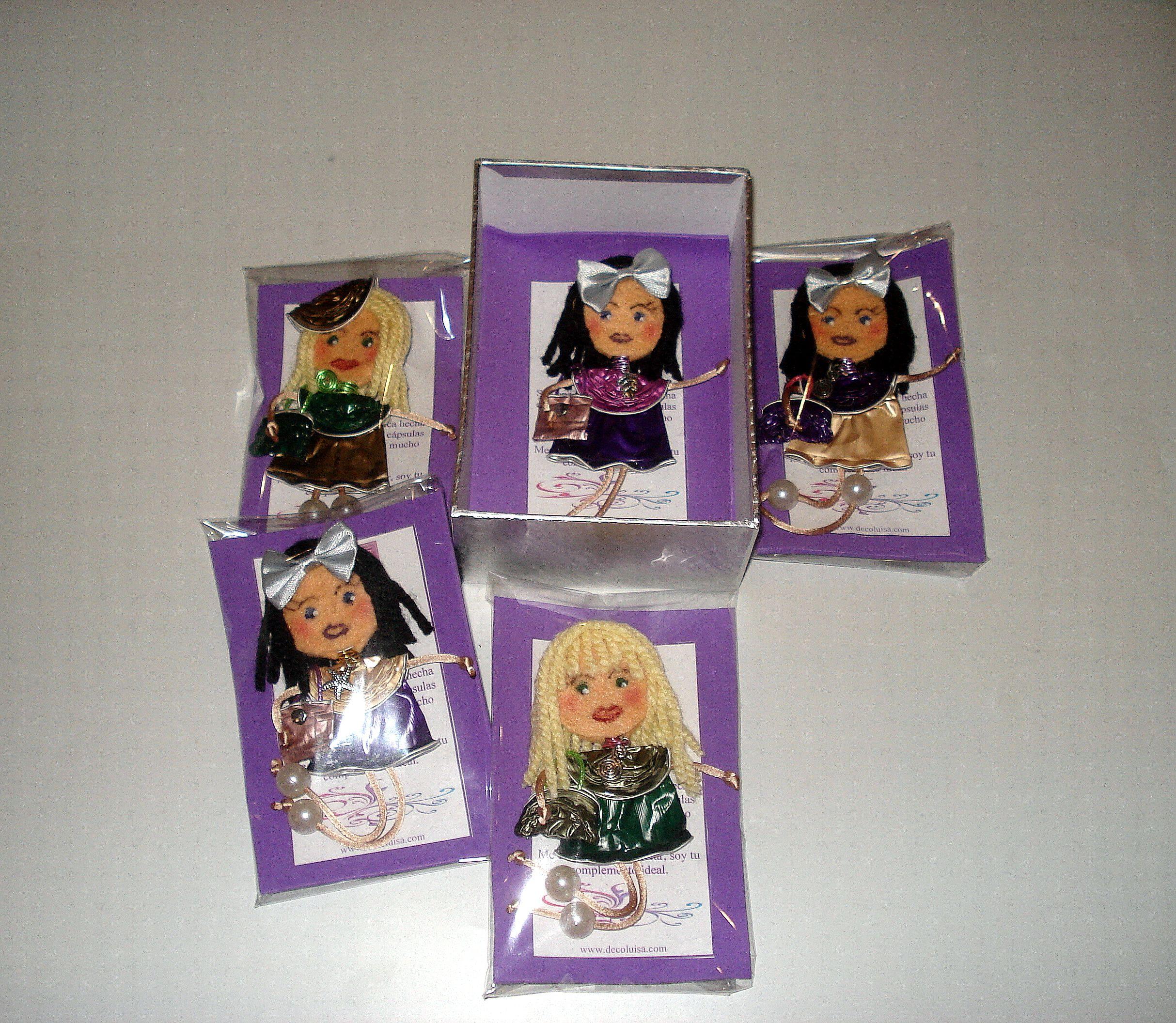 Encargo de Georginas De Luxe para 5 amigas.  Estas muñecas están hechas con cápsulas de nespresso y fieltro. Se hacen por encargo. Ideales como detalles de invitadas en cualguier tipo de evento. Aviso estas muñecas no se pueden copiar, están registradas.