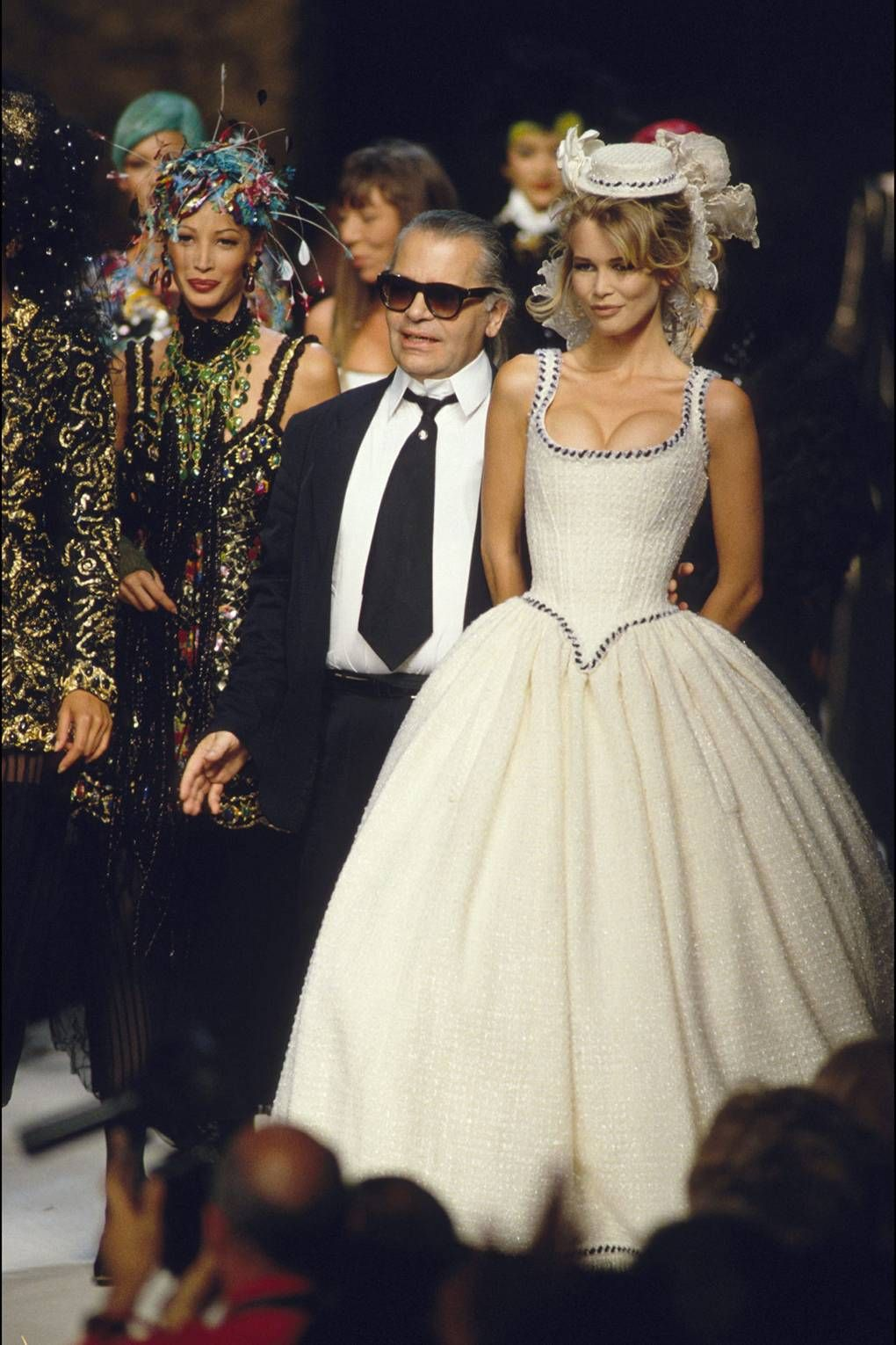 c00ce179d57 Schiffer with Karl Lagerfeld after Chanel s 1992 haute couture show.