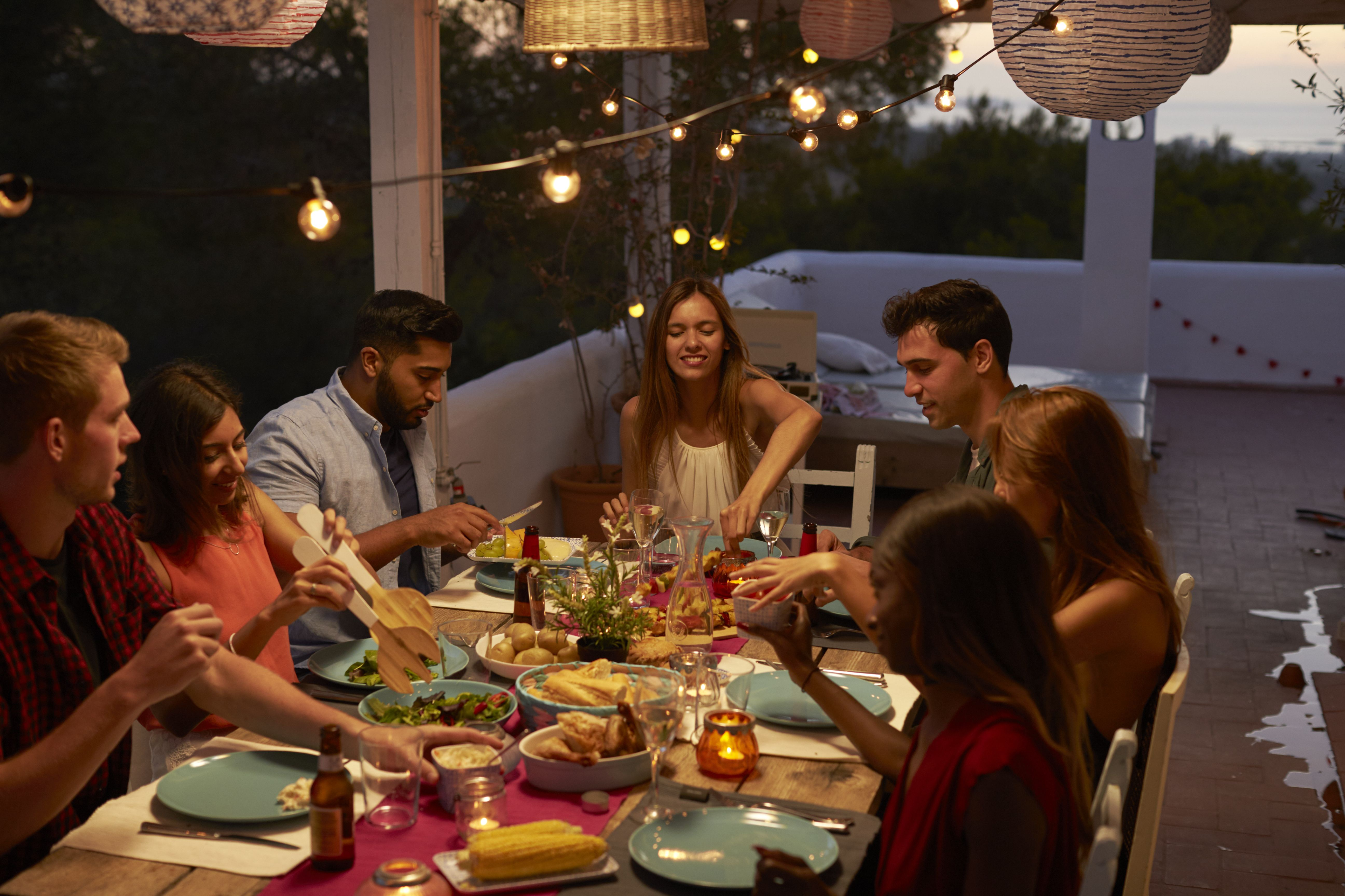 How To Setup Your Backyard Or Patio For The Perfect Memorial Day Bbq Perfect Memorials Backyard Memorial Day