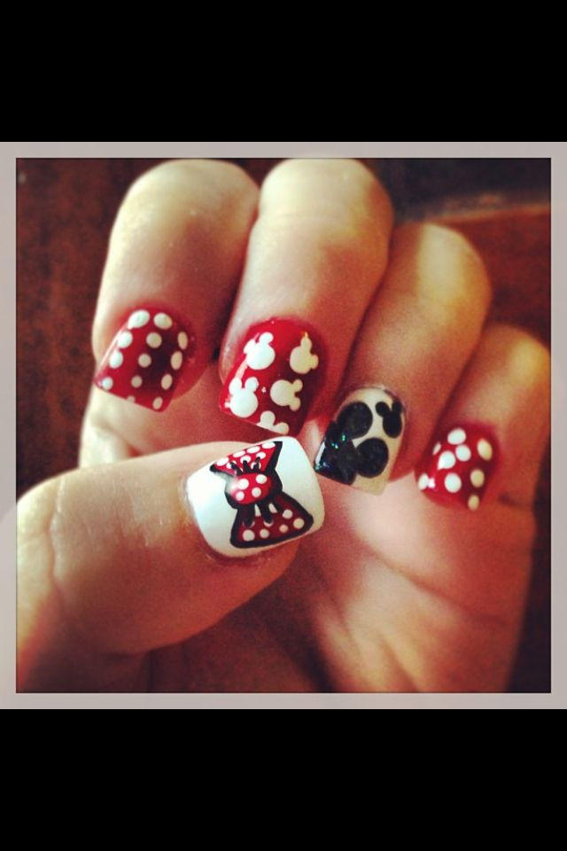 Omg need to get these my lil girl is all about Micky mouse! | Uñas ...