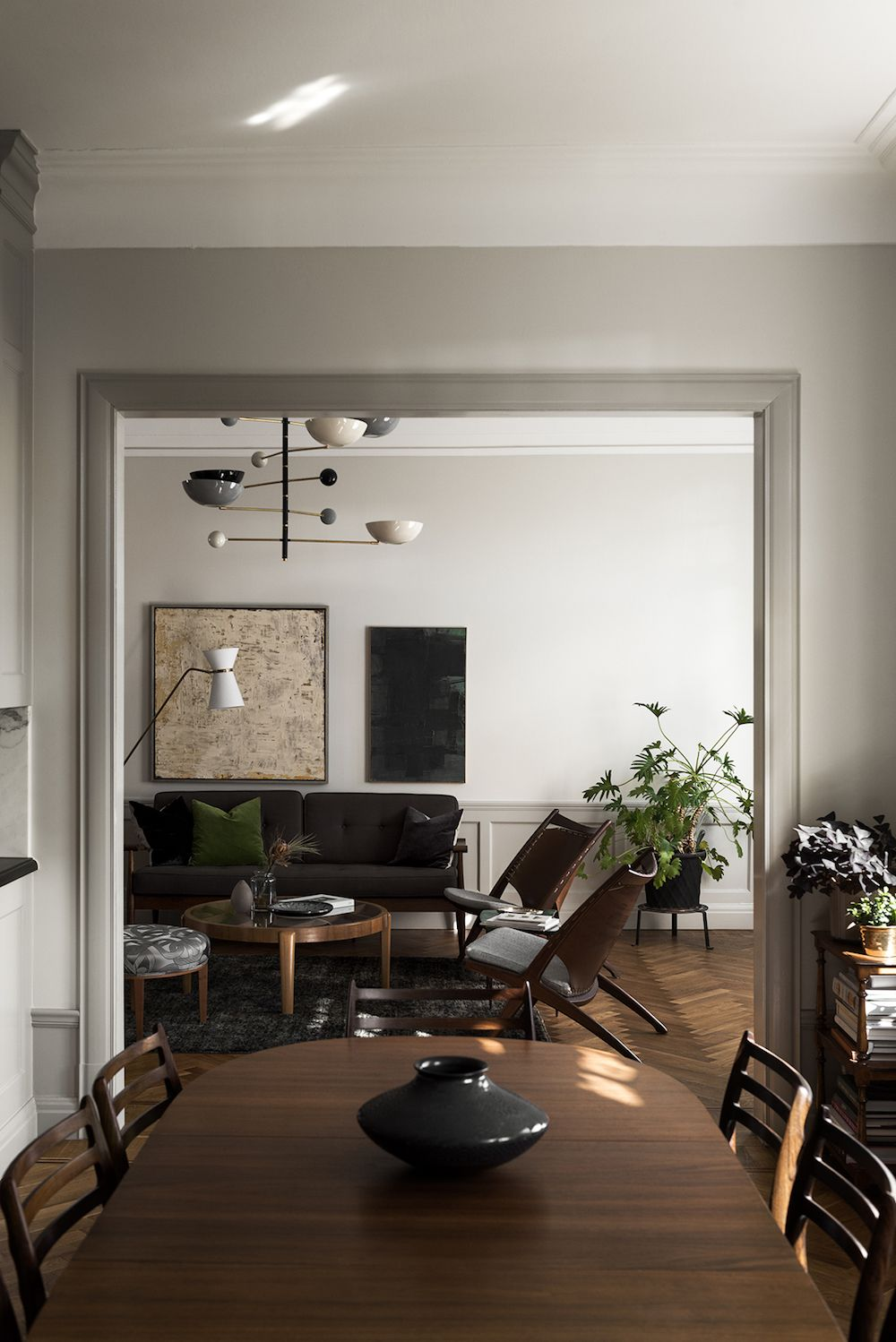 When Mid-Century Modern Meets Traditional With An Eclectic Flair - Nordic Design