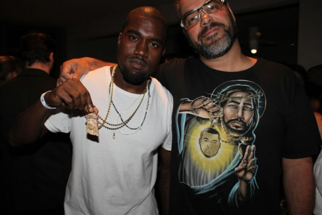 Shirt With Jesus Holding Kanye Google Search Kanye West Picture Kanye West Kanye