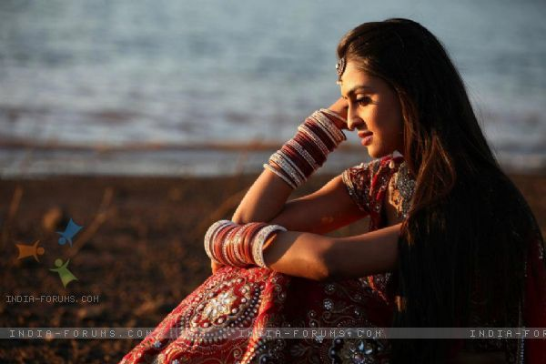 Star Parivaar Awards 2012 Jeevika Manvi And Khushi: Krystle Dsouza : Krystle Dsouza At STAR Parivaar Awards
