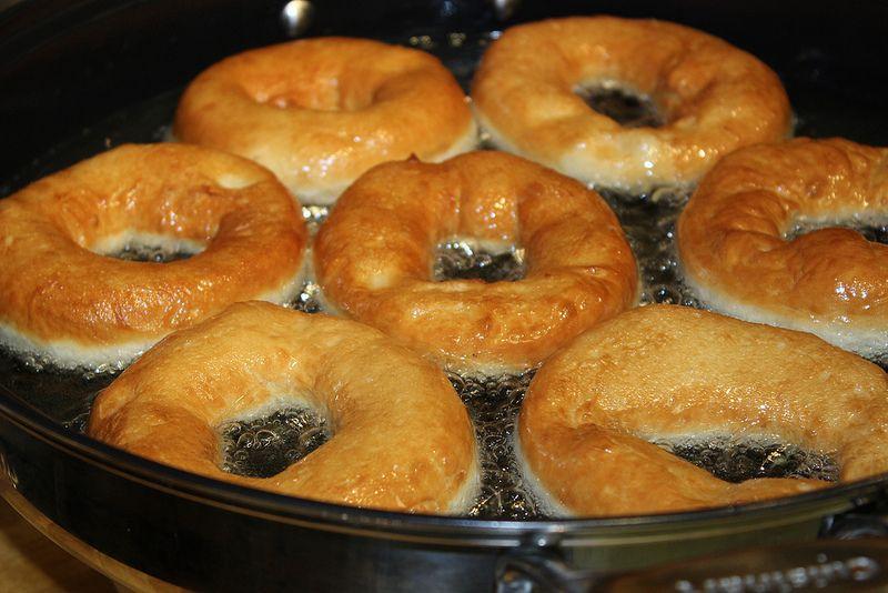 Italian Yeast Cake Recipes: Fritti (Italian Deep-Fried Yeast Doughnuts)