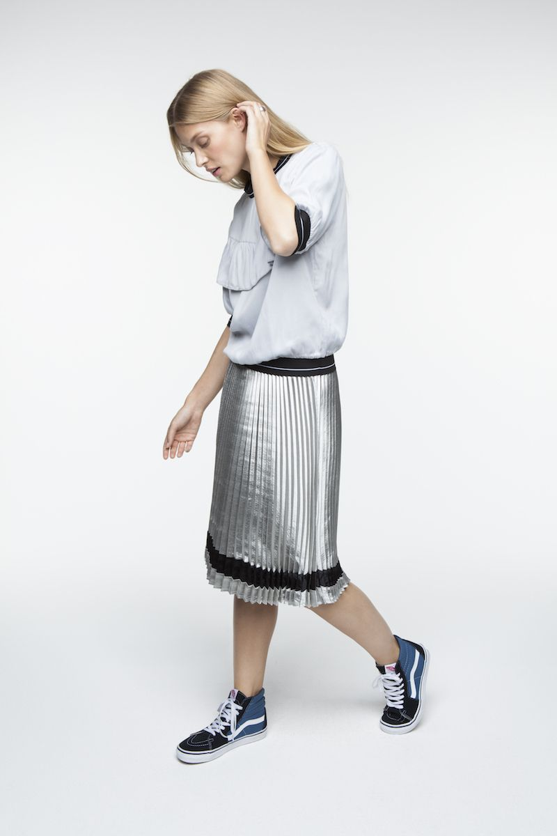 cd1e9d953f1f Kolekcia jar 2018  yaya  fashion  moda  style  piestany  obchod  trend   oblecenie  damy  teplicka  kabatik  SS2018  Trend2018  fashion2018  sukna   plisovana ...