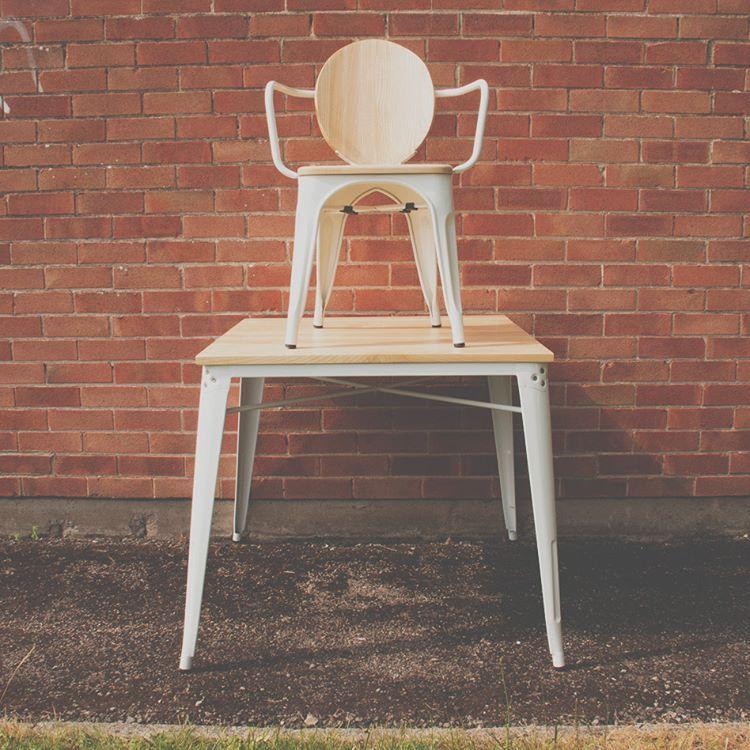 Stühle, Stühle, Stühle - und Tische?🙈 #designerstuhl #eames