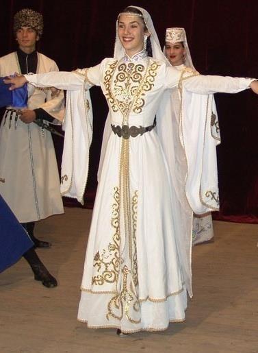 b485620e89195d2 Г1абли чеченское национальное платье | Брендовая одежда | Народный ...