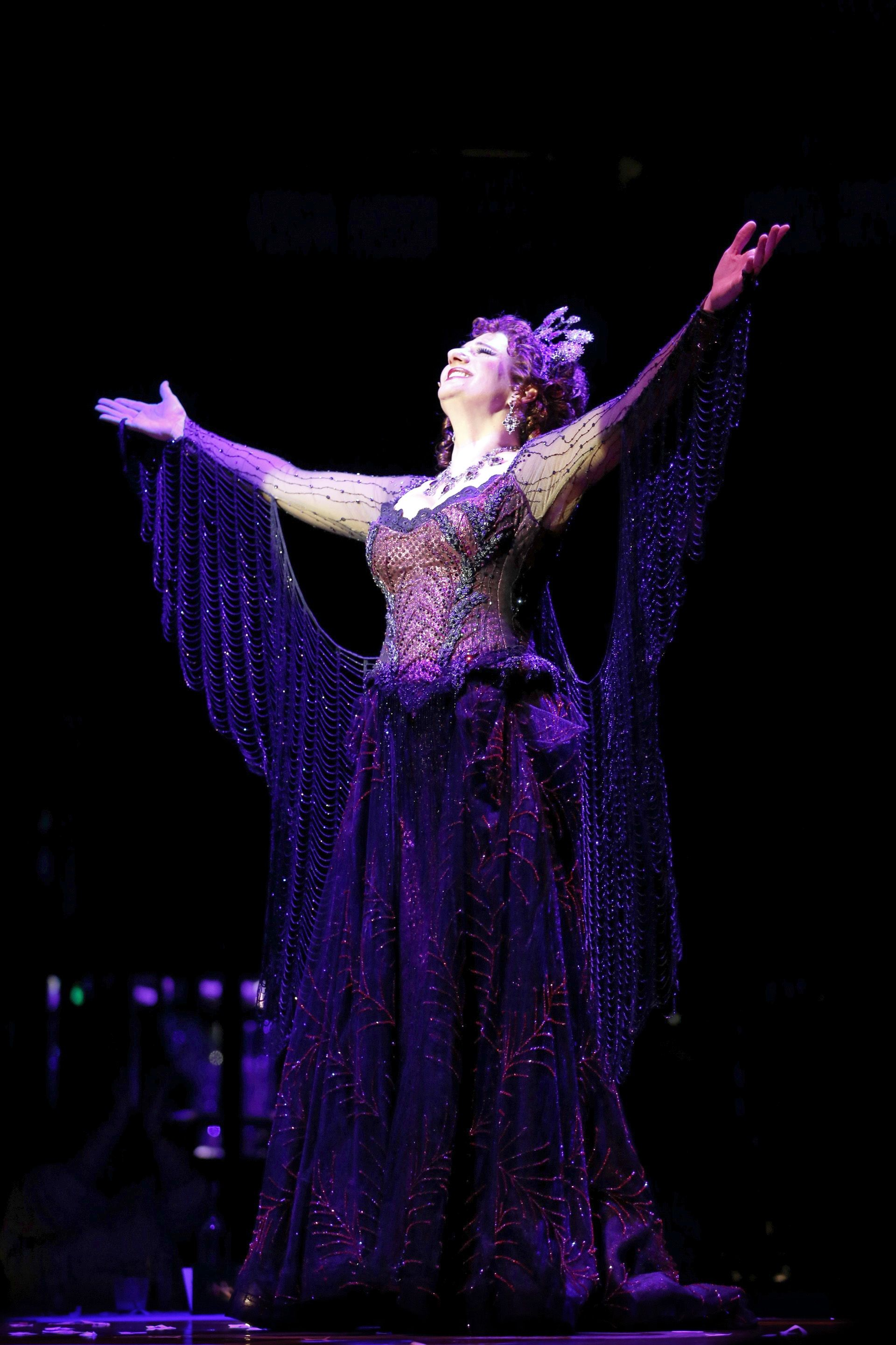 Juliana Rambaldi Our Opera Diva Take A Glorious Bow On The Air Photo Credit Keith Brofsky Singer Costumes Fantasy Fashion Air Photo