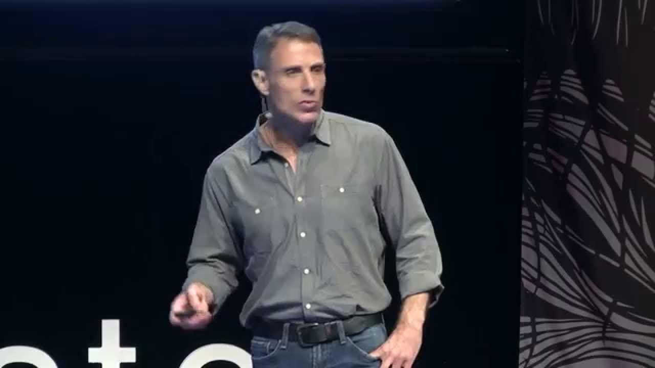 Get a Read on This: Libraries Bridging the Digital Divide: Andrew Roskil... Interesante reflexión sobre las claves de cambio de las bibliotecas