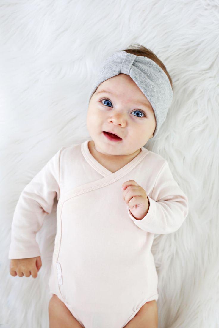 Baby Headband DIY (3 Ways and No Sew!) - A Beautiful Mess #babyheadbands