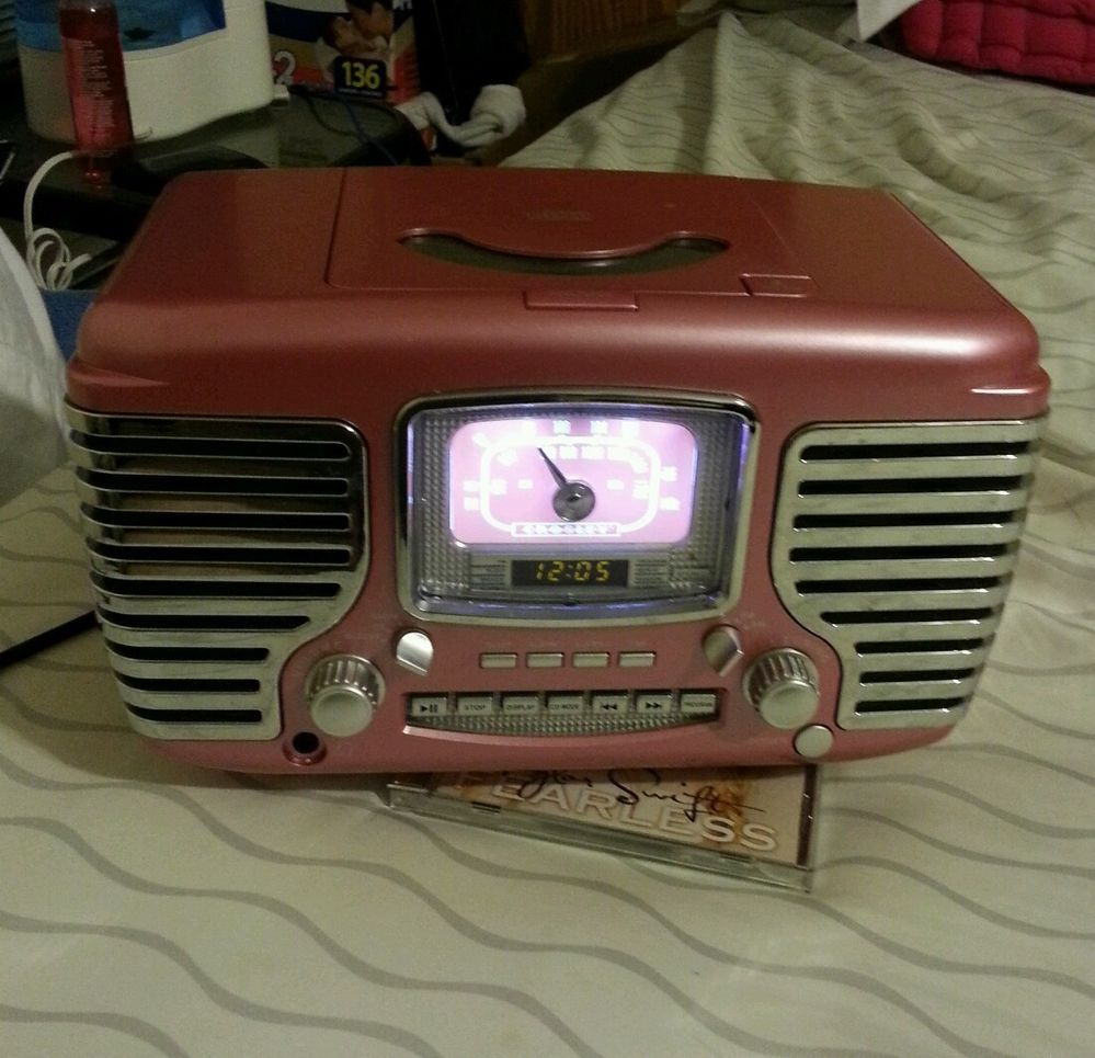 Fabulous Vintage Styling For Your Pink Kitchen Crosley Corsair Retro Clock Radio W Cd Player In