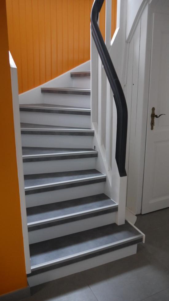 Escalier Bois Modernisé à Kingersheim 68260 Escalier Rénovation, Escaliers  Peints, Escalier En Pierre,