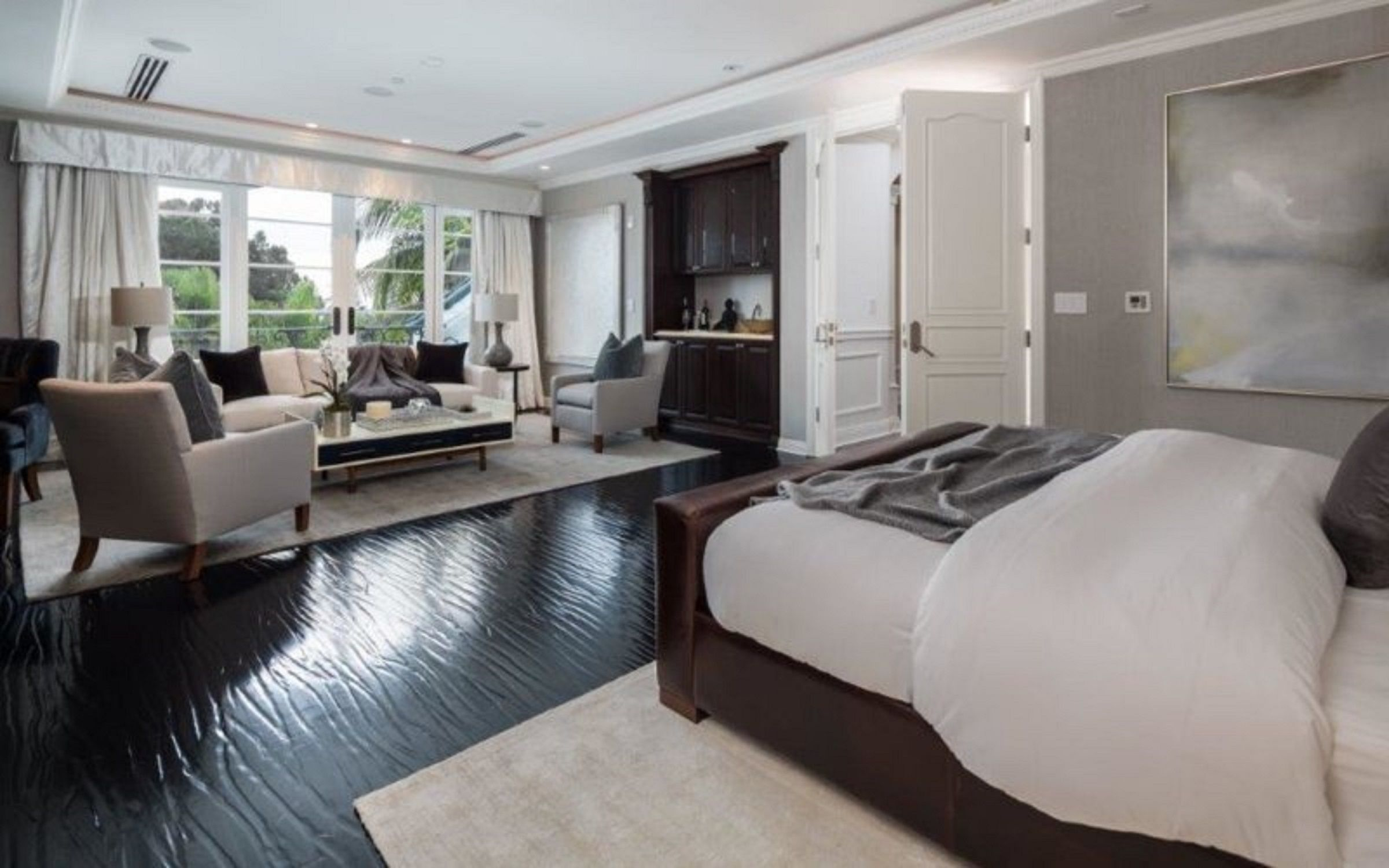 Master Bedroom Ensuite Designs Alluring Master Bedroom With Sitting Are And Ensuite Bathroom In Beverly Design Inspiration