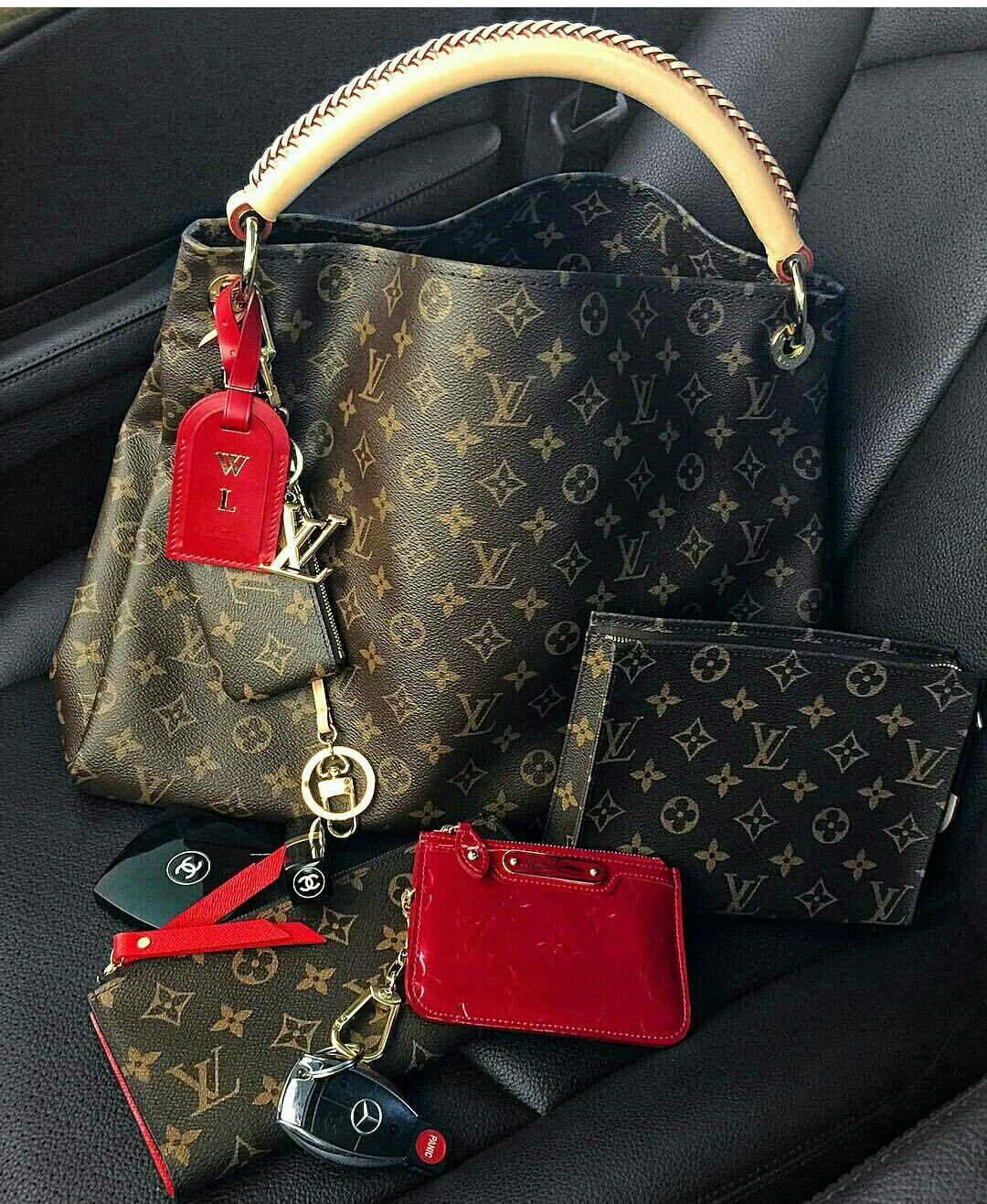 ✨- Pinterest ; VeeBvlla✨ More - Handbags & Wallets - http://amzn.to/2hEuzfO