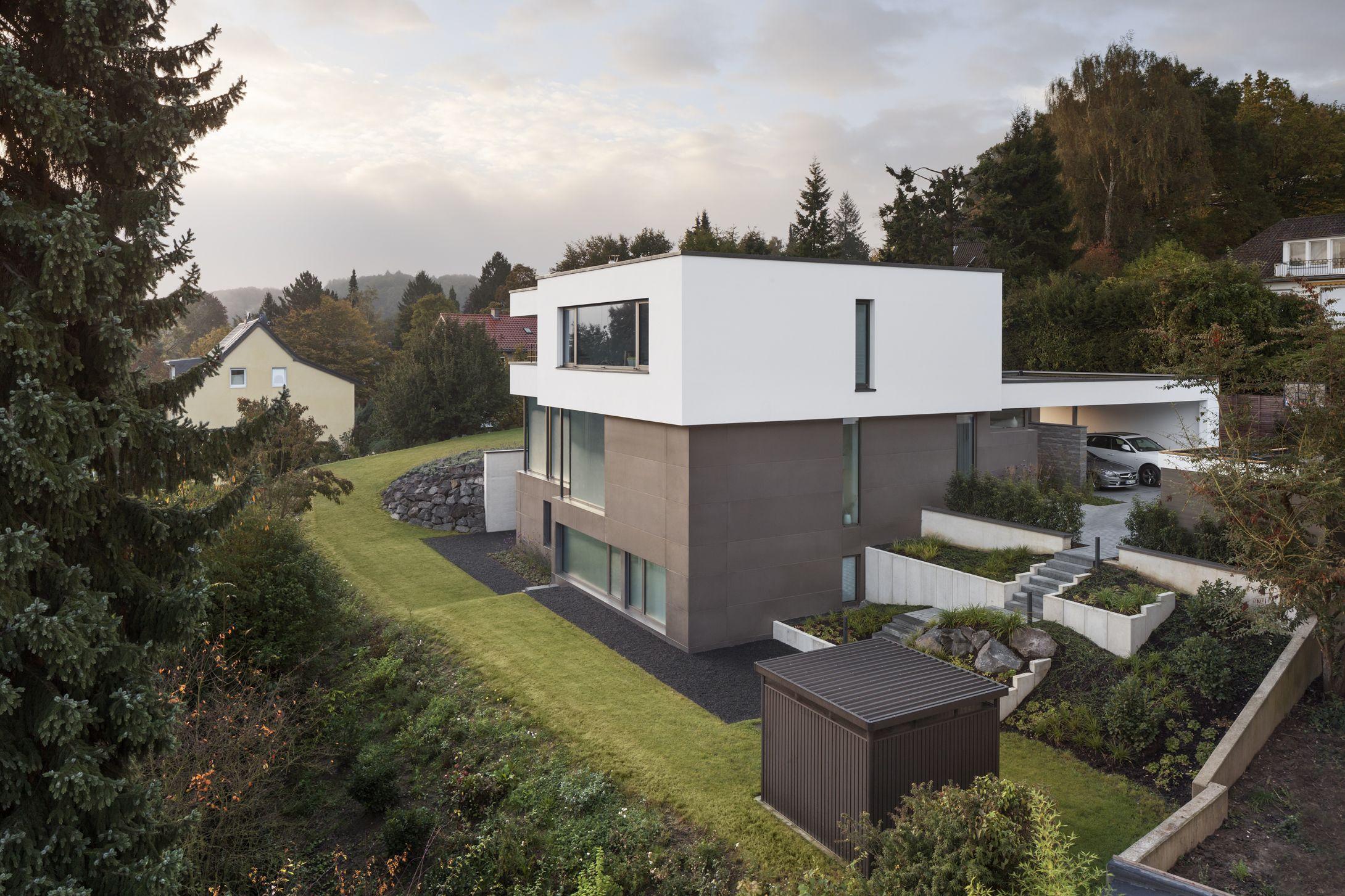 Panorama Bild einer exklusiv designten Außenanlage von Rheingrün ...