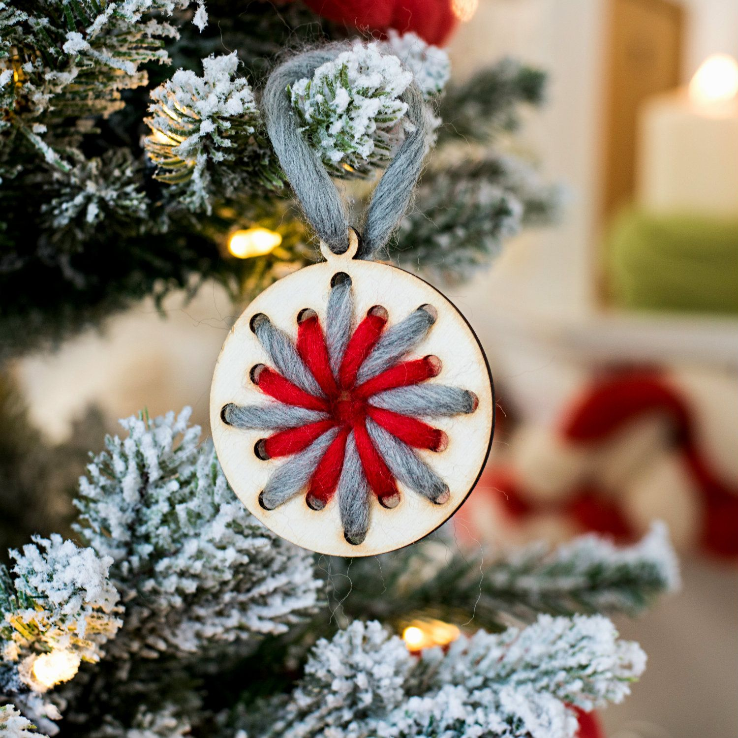 Handcrafted Christmas Tree Decorations With Wood And Wool Https Www Woolcouturecompany Com Product Ca Snowflake Ornaments Diy Wooden Snowflakes Weaving Kit