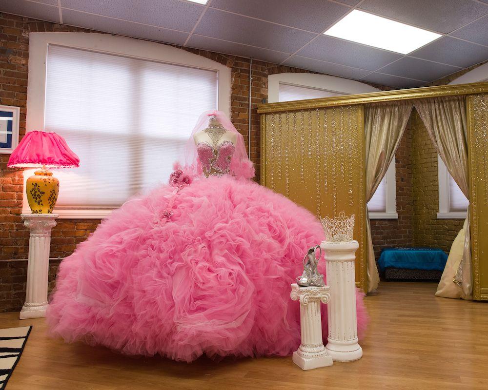 My big fat american gypsy weddingus sondra celli talks gowns gypsy