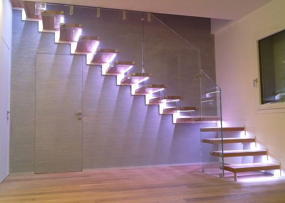 anm studio scale scala in abitazione privata a riccione con struttura in metallo bianco verso. Black Bedroom Furniture Sets. Home Design Ideas