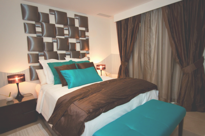 Brown And Turquoise Bedroom. Love The Twin Settees At The Foot Of The Bed.