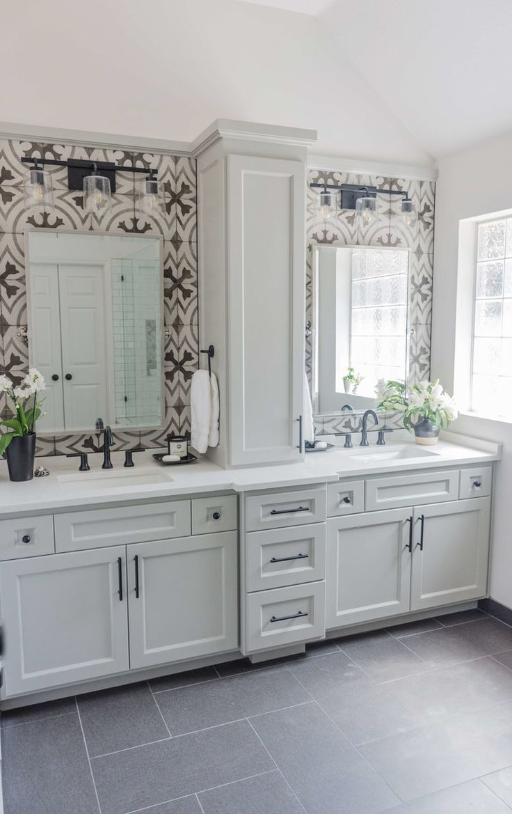 BEFORE AND AFTER: A Dated, Builder Bathroom Become