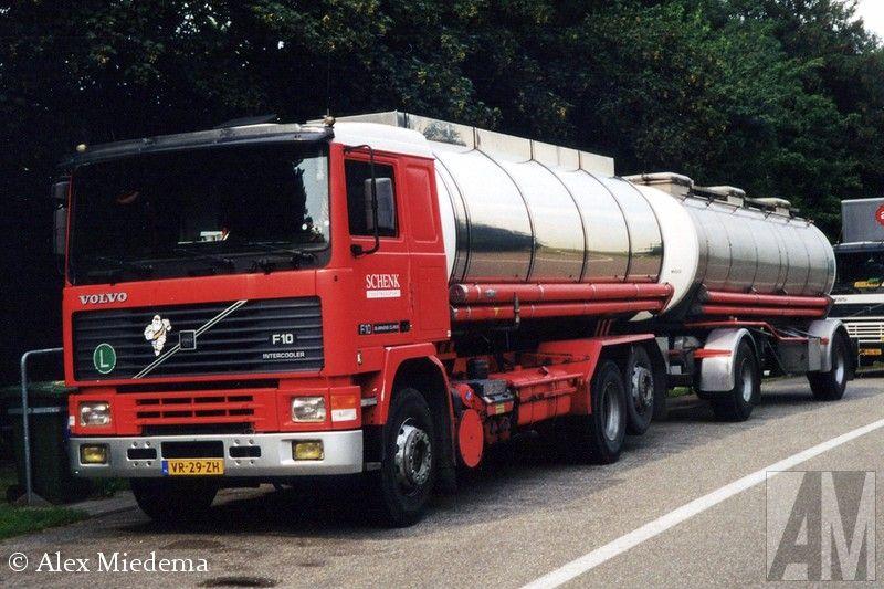 Volvo F 10 Iii 6x2 Met Tankoplegger Van Schenk