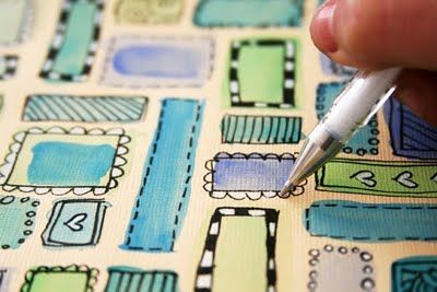 Translation: aquarela+doodles: the thicker the watercolor + the less water you use, the better. make simple shapes (circles, squares, rectangles, etc). once dry, make doodles and drawings outlining the shapes with black pen. use white pen for details (balls, hearts, circles, etc). you can use this as a doodle by itself orrr turn it into a background for a scrapbook page or art journal.