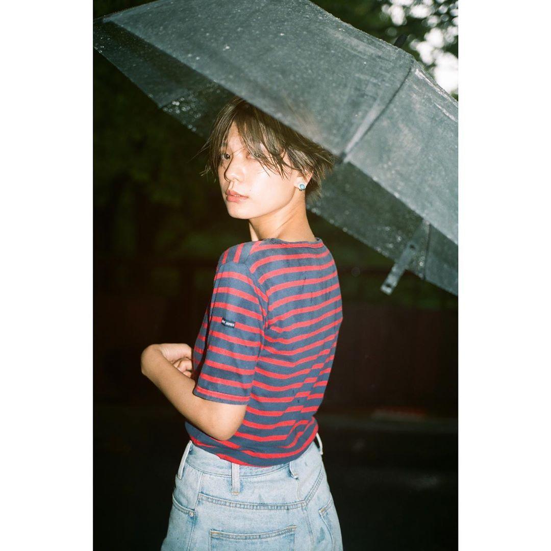 """石川瑠利子 on Instagram: """". . 撮影したいなぁ🙏🏻💕 早く普通の日常に戻れますように。 今日は雨なので、いつかの雨の中での作品撮りを🥳 . . #shooting #photo #rainy #fashion"""""""