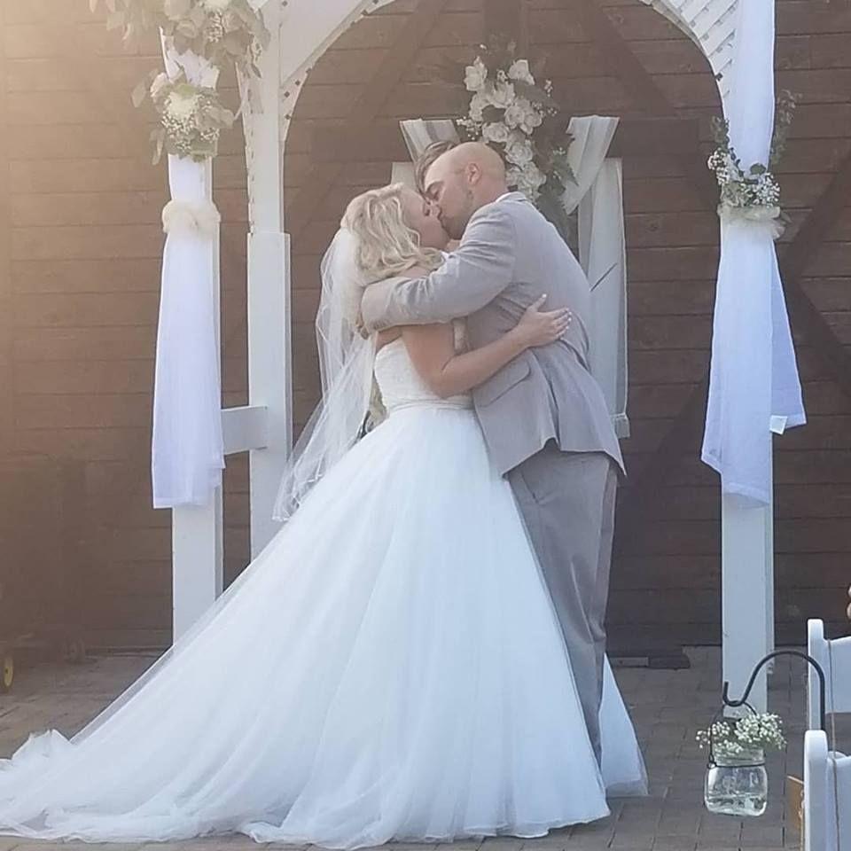 Simpson's Real Bride, Mrs. Samantha Wilson, Wearing Allure
