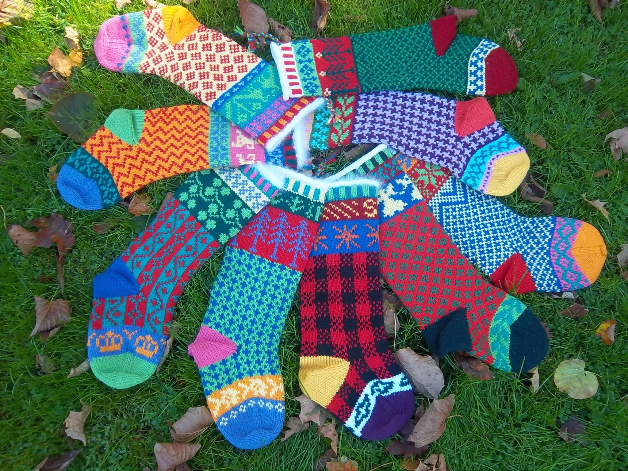 Cascade Christmas Stockings by Marji LaFreniere- free pattern http://www.cascadeyarns.com/patternsFree/W104_220.pdf