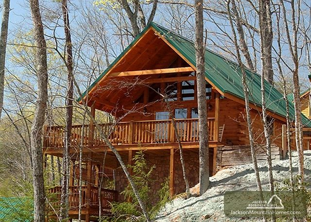 Welcome To Knotty N Nice A Great Place To Be During Your Visit To The Smokies This Beautiful Log Home Is Located Smoky Mountains Cabins Cabin Vacation Home