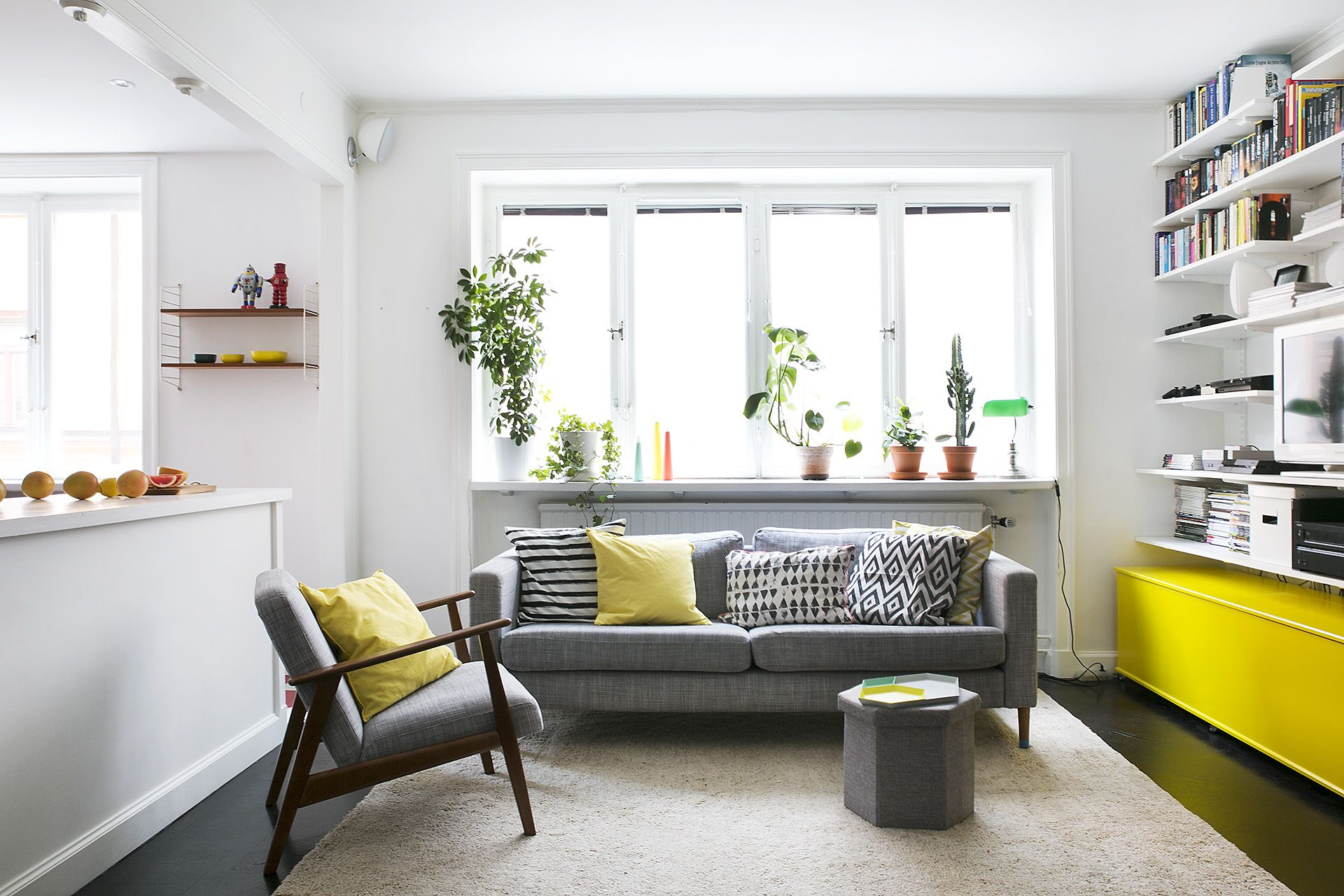 living room yellow/grey | Interiour & Decorations | Pinterest ...